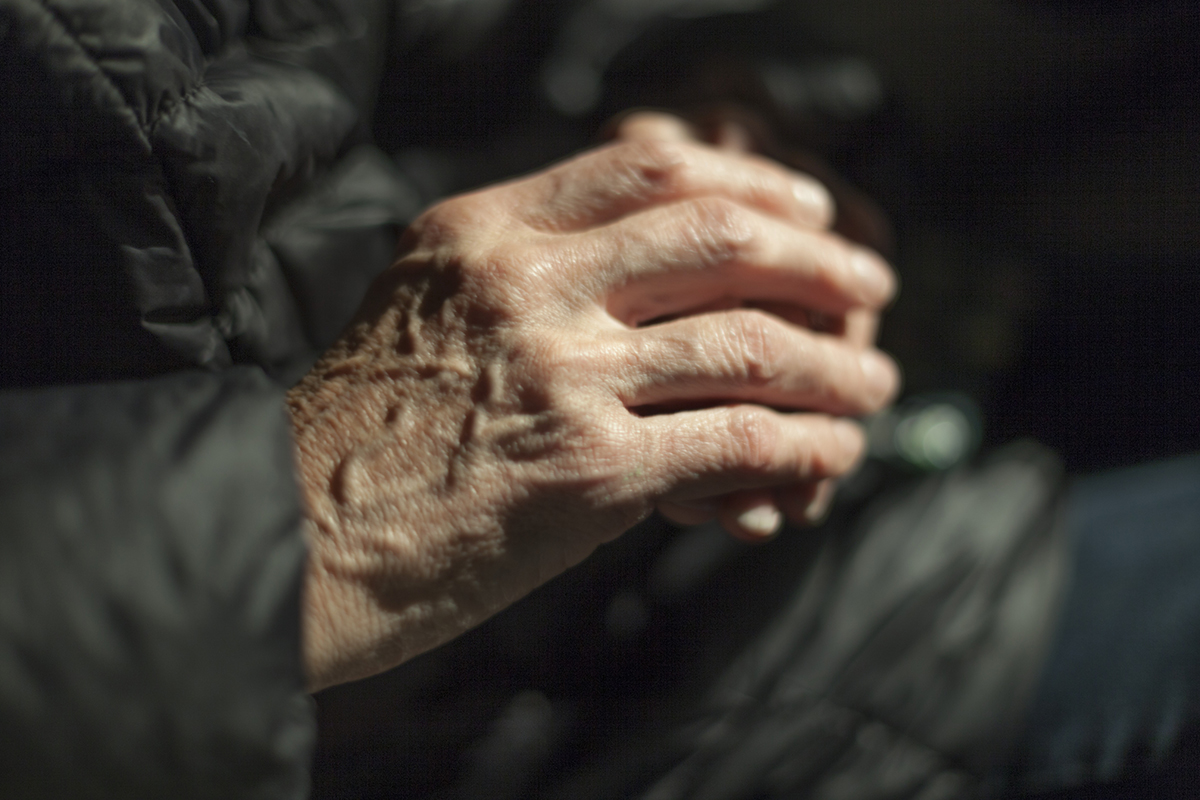 A close photo of a hand and their wrinkles