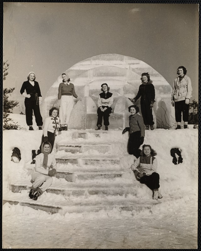 AG Archive - snow queen and court
