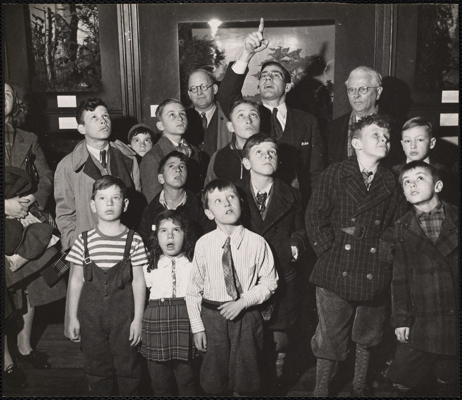 AG Archive- Children at the Natural History Museum