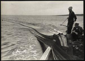 fisherman w net