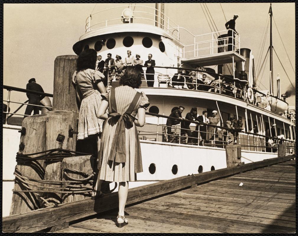 AG Archive- SS. Steel Pier