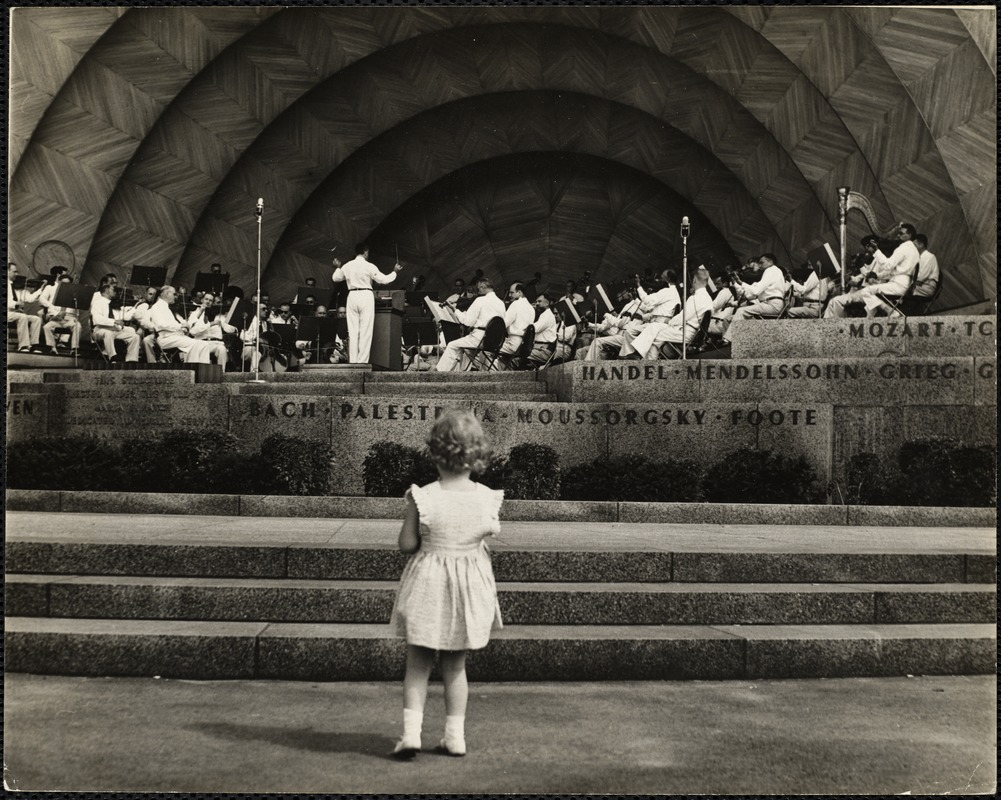 AG Archive- Hatch shell with child