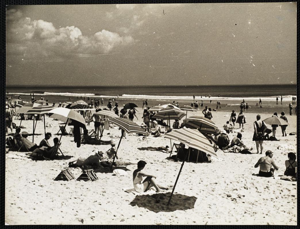 AG Archive- beach goers